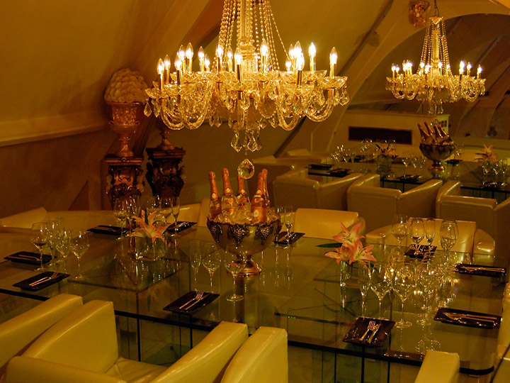 Private dining sheesh restaurant